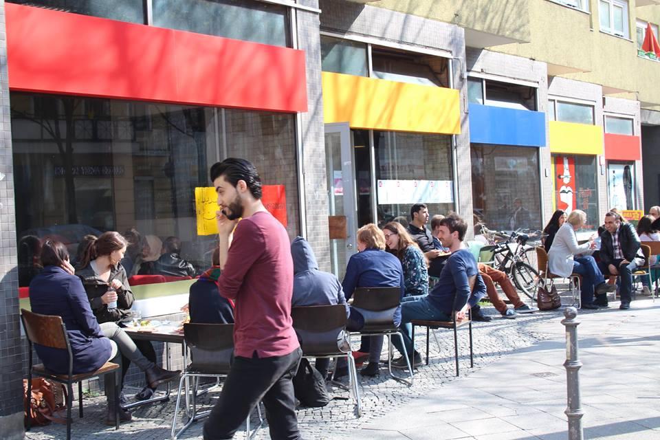 Nachbarschaftsmarkt am 2. April: Konzert/Ausstellung/Lesung/internationales Buffet